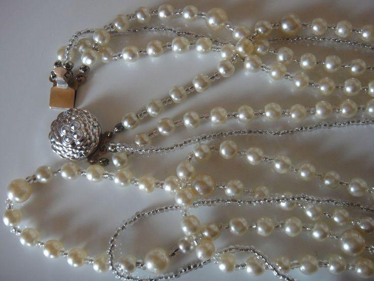 Perlenkette drei reihig  ein Strang silberfarbigen Zwischenelementen Vintage