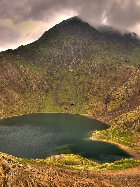 Snowdon, lakes of Pyg track-- Wales by Jan Špatina, via Flickr