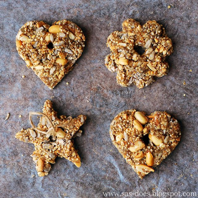 No suet, no gelatin bird seed ornaments. Kid-friendly, backyard craft that is sure to attract some feathered friends.