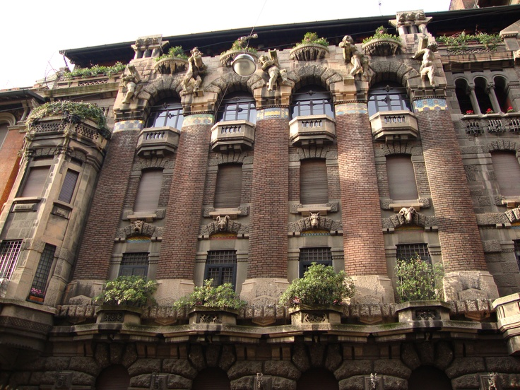 Casa Berri Meregalli Via Cappuccini, 8, Milano   Facciata