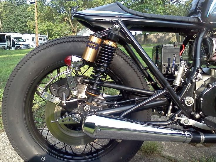 motographite: Suzuki GS 550 custom bobber - The view from the Afternoon