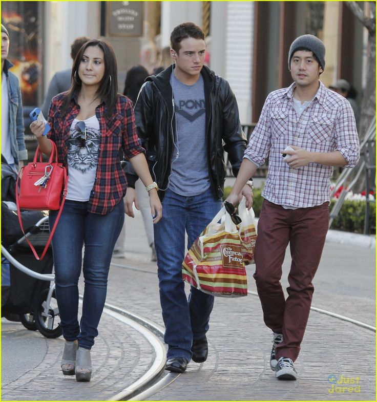 francia raisa allen evangelista cheesecake factory with brandon eaton 04