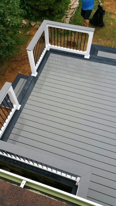 Trex Selects Decking Two Tone In 2019 Patio Deck Designs
