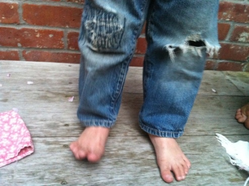 how to fix ripped jeans without a patch