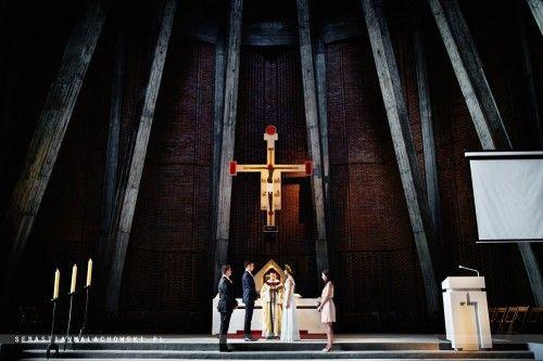 Ślub w Warszawie na Służewie. Maja i Marcin. To zdjęcie robi wrażenie... Gratulacje!!! (Fot. Sebastian Małachowski) #ślub #warszawa #służew #dominianie #kolory