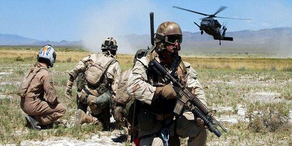 Με αμερικανικά ελικόπτερα εγκαταλείπουν την Deir ez-Zor ένοπλοι της ISIS - Ιράν: Τους μεταφέρουν στην κεντρική Ασία