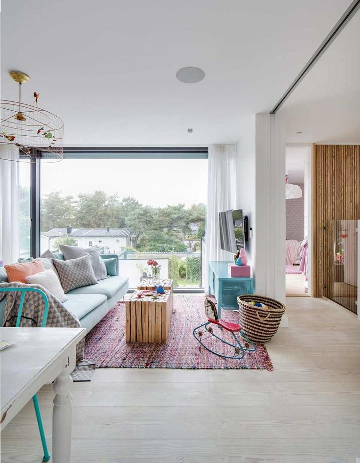 Fun shared space. love the white with pop of blue