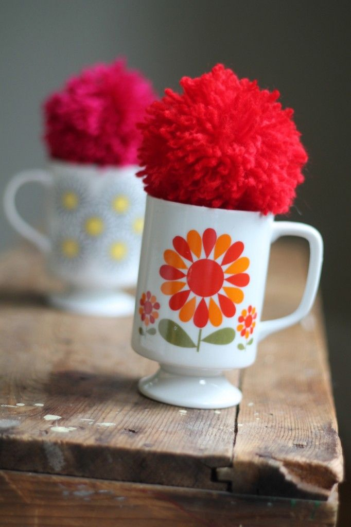 Family Chic Mug Gift Wrap - cool idea