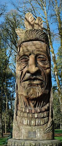 Shute Park, Hillsboro, Oregon: Chief Kno-Tah Statue - Wooden sculpture by Peter Wolf Toth - Carved on a log of Douglas fir, the Oregon state tree