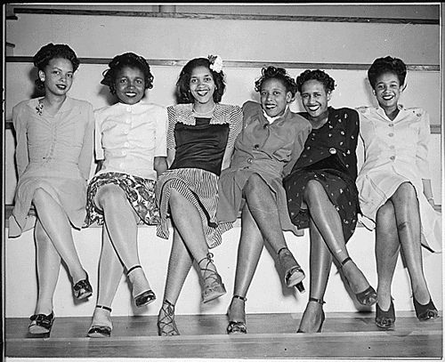 1944.  young black ladies.  possible black pin-up girls?