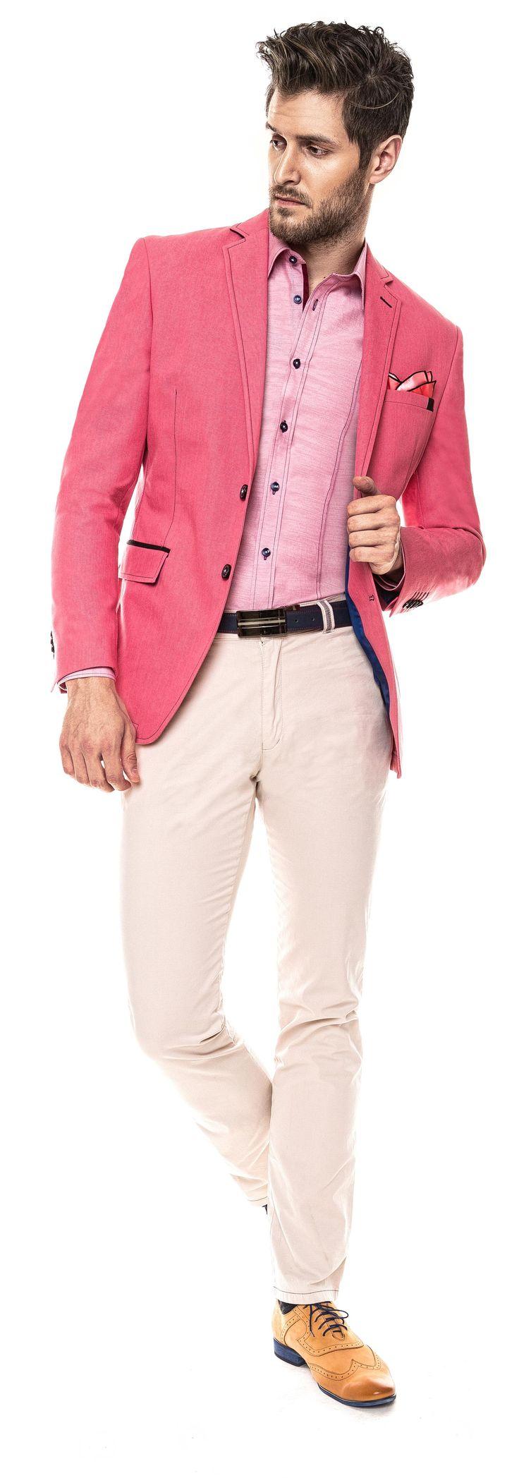 Kolekcja Giacomo Conti 2014 - różowa marynarka Antonio 14/31 SM, białe spodnie Riccardo 14/14 SP, bladoróżowa koszula męska Michele 14/02/39, musztardowe brogsy. #giacomoconti