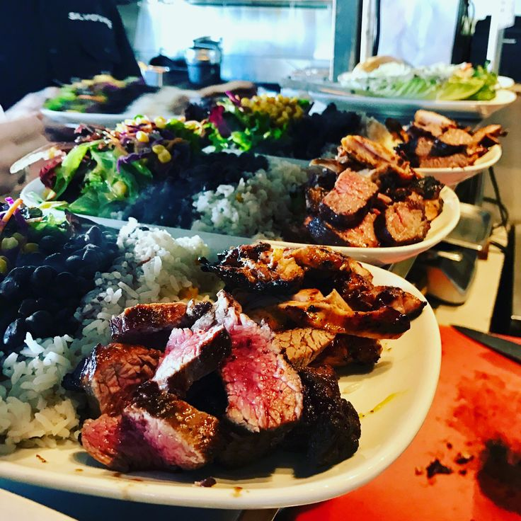 We have a great Friday planned for you. First, we have great Brazilian BBQ. Second, we have a great Happy Hour 3-6:30. Third, we have a Blackhawks Game on today at 5:30. Lastly, we serve great Craft Beer. #HermosaBeach #BlackhawksBar #SilviosBBQ #SportsBar