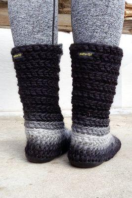 Best 25+ Crochet slipper boots ideas on Pinterest Slipper boots, Crochet bo...