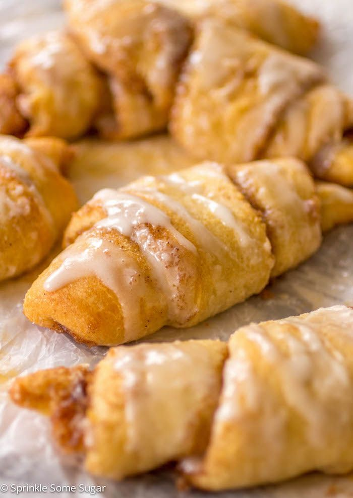 Cinnamon Roll Crescents. Cinnamon rolls made easier thanks to Pillsbury crescent rolls! You guys, you will not believe how amazing these are! #ad #warmtraditions @pillsbury