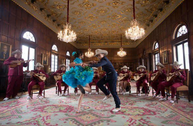 jóvenes intérpretes de bandola llanera y dos bailarines de joropo de Tauramena (Casanare), estarán en Marruecos del 1 al 10 de noviembre