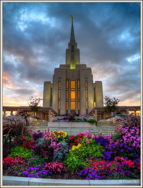 Breathtaking photograph of Oquirrh Temple (Utah) at sunset taken by Carrie Lynn Densley