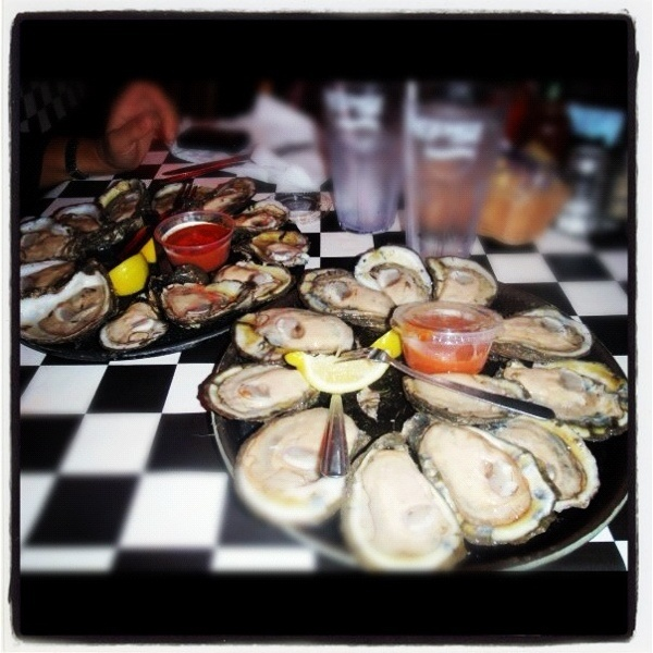 ACME Oyster House New Orleans...want this. Don't miss this place for oysters and the best Jambalya I ever ate