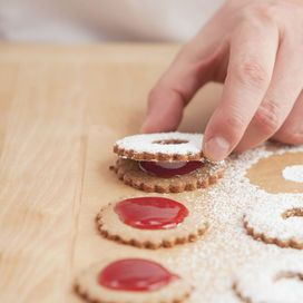 I biscottini facili e integrali con la marmellata