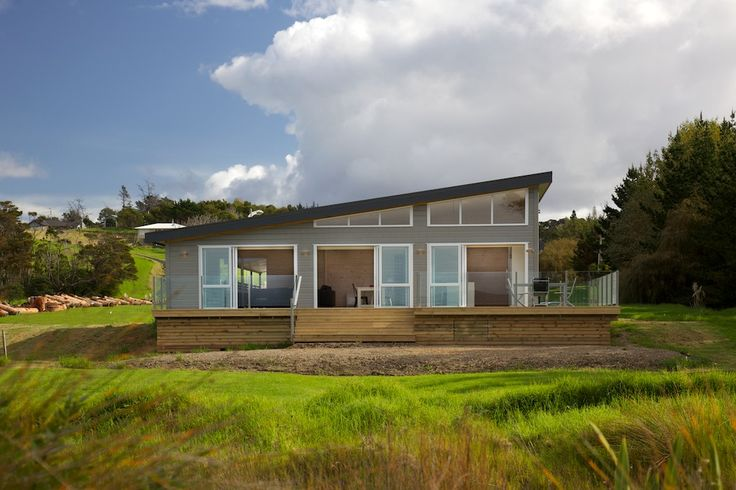 Beautiful Lockwood holiday home at Snells Beach