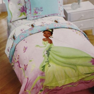 Brittney Add A Magical Touch To Your Bedroom Decor With This Incredible Princess And The Frog Bed In Bag Set Features 180 Thread Count