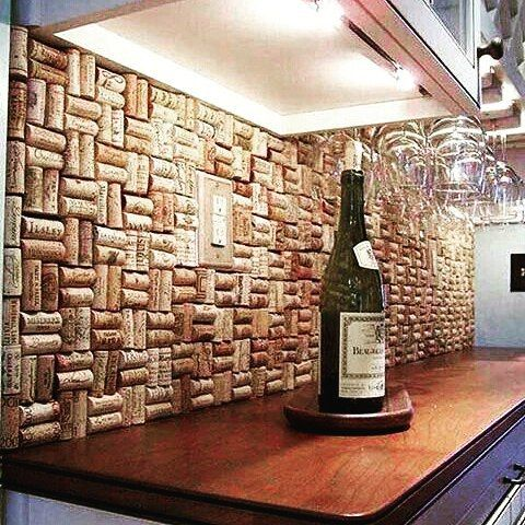 wine cork backsplash from recyclideas for the kitchen wall