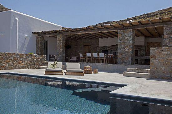 Luxury Villa Ftelia http://mykonosgrandvillas.net/mykonos-luxury-villa-ftelia.asp Mykonos Grand Villas