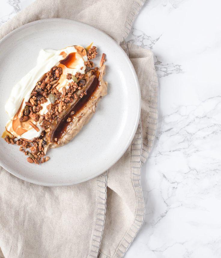 Dattel Hummus und Joghurt mit Granola