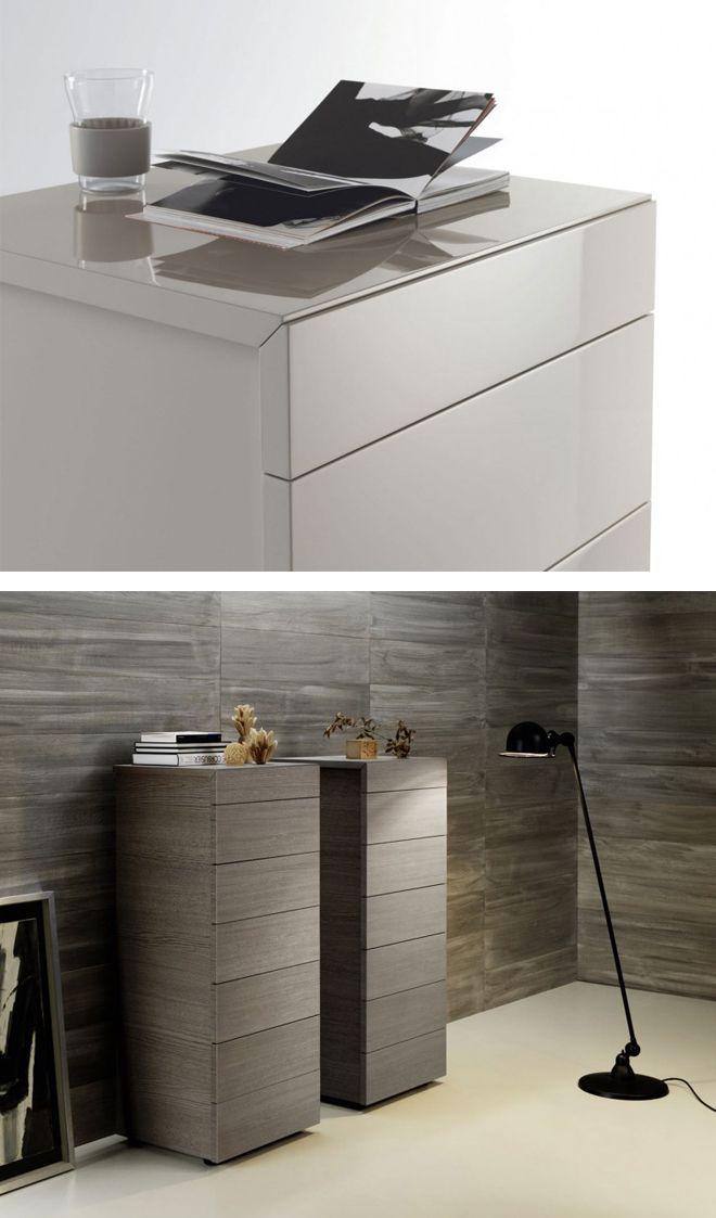 Die Livitalia Design Hochkommode Cap ist modern und zeitlos. Dank der grifflosen Schubladen passt sie in jedes Zimmer.   #Kommode #Hochkommode #chestofdrawers #Livarea #Wohnzimmer #livingroom #bedroom #Schlafzimmer #Inneneinrichtung #inspiration #interiordesign #interiordecorating #home #wohnen #einrichten #Designmöbel #modern