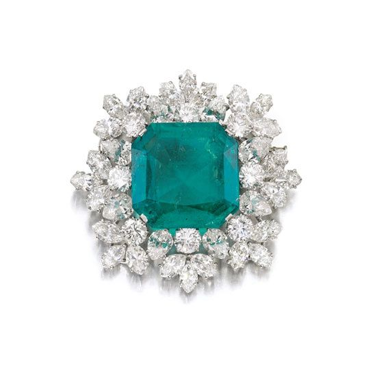 Les bijoux Bulgari de Gina Lollobrigida chez Sothebys http://www.vogue.fr/joaillerie/news-joaillerie/diaporama/les-bijoux-bulgari-de-gina-lollobrigida-chez-sotheby-s-geneve-magnificent-jewels/13054/image/750510#!8