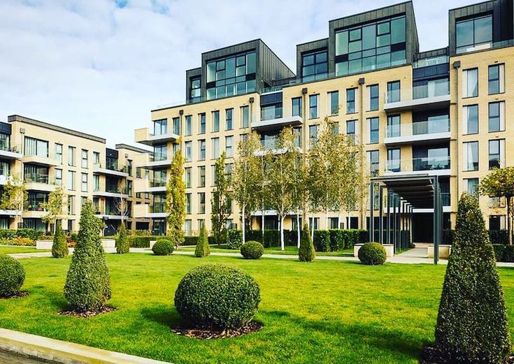 Superb riverside homes in prestigious Fulham London #London #Hampstead #Apartment #Investment #Luxury #Garden#investment #Relaxing  #Terrace #Balcony #central #beautifulhome #UpmarketLiving #Parking #Concierge  #LandscapeGardens #ModernLiving  #transportuk