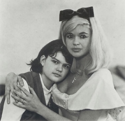 Jayne Mansfield and her daughter Mariska Hargitay by Diane Arbus