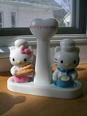 salt and pepper (shakers) kitty and daniel. too cute