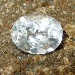 Batu Permata Topaz Putih Kebiruan Oval 2.25 carat