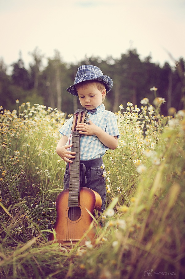 Photographer Lena Zashchitina. Russia. Little musician.  Photography. Sweet boy. Child
