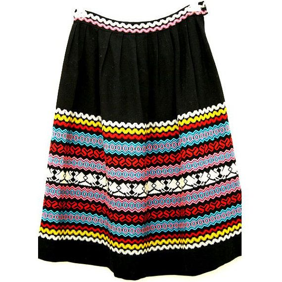 Embroidered 50's vintage ethnic skirt, cotton black, Frida Kahlo retro mexican artist style. Boho-chic.Multicolored embroidery.