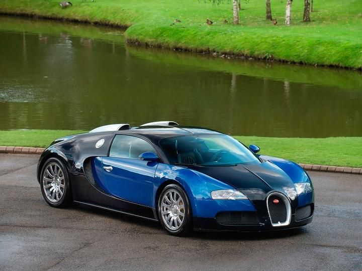 A car for sale in UK #Bugatti #Veyron 2dr - Main gallery image