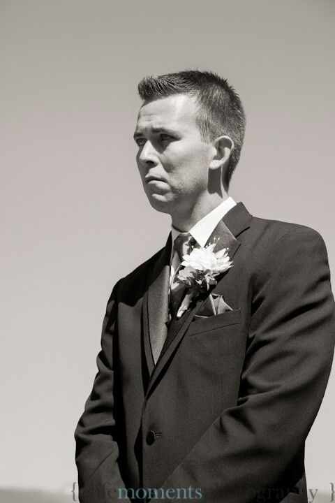 First Look at his new Bride. Wedding. 2012.