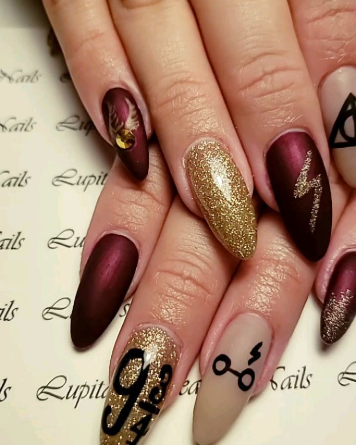 When Your Client Wants Christmas And Hp Nails Myclientsarethebest Harrypotternails Qualitywork Nailwork Qualitywork In 2020 With Images Short Acrylic Nails Harry Potter Nails