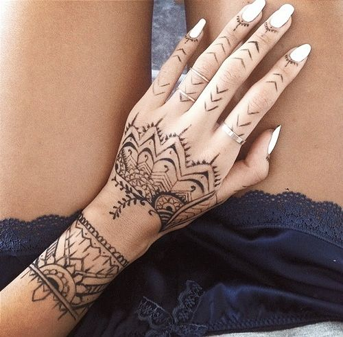 25 best ideas about tribal henna on pinterest henna designs wrist tribal henna designs and. Black Bedroom Furniture Sets. Home Design Ideas
