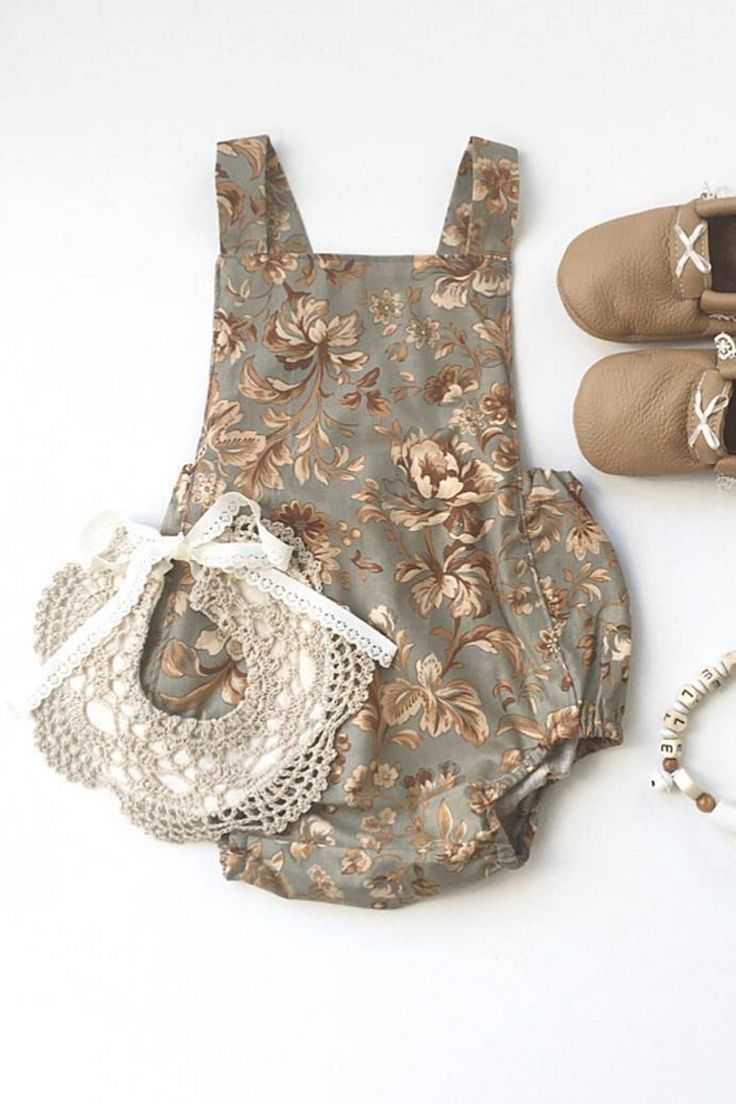 Handmade Lace Bib | Nine Toes & Co on Etsy