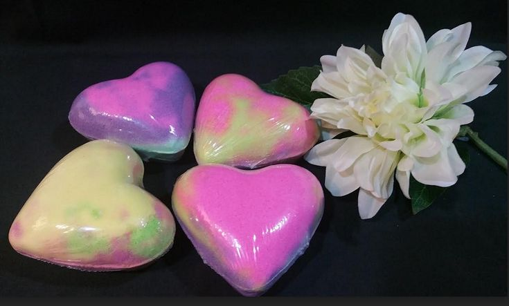 Hearts bath bombs