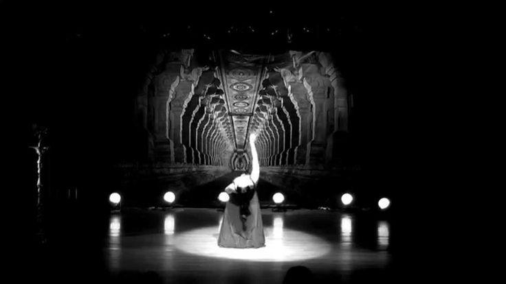Persian dance improvisation Helia Bandeh music Kayhan Kalhoor  رقص هلیا ...