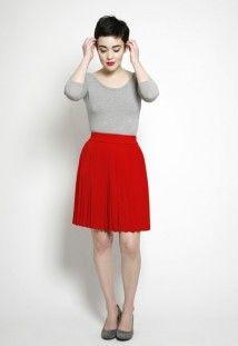 Falda plisada roja