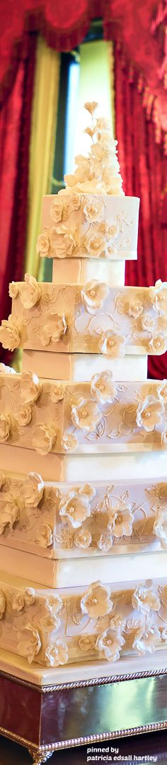 Champagne Open Roses - Rosalind Miller Cakes
