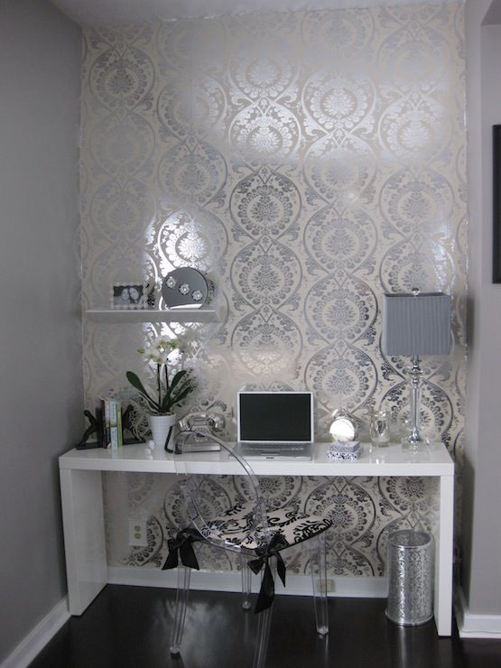 Desk ideas inspiration - silver white black spacious damask simplistic
