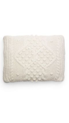 Knit pillow cover #DestinationScandinavia