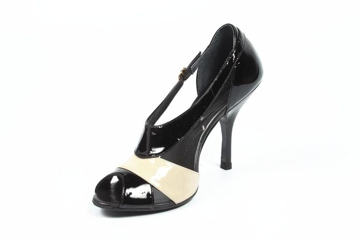 shop Max Azria ladies sandal MA-IMIN BLACK | wearwithstyle.ca
