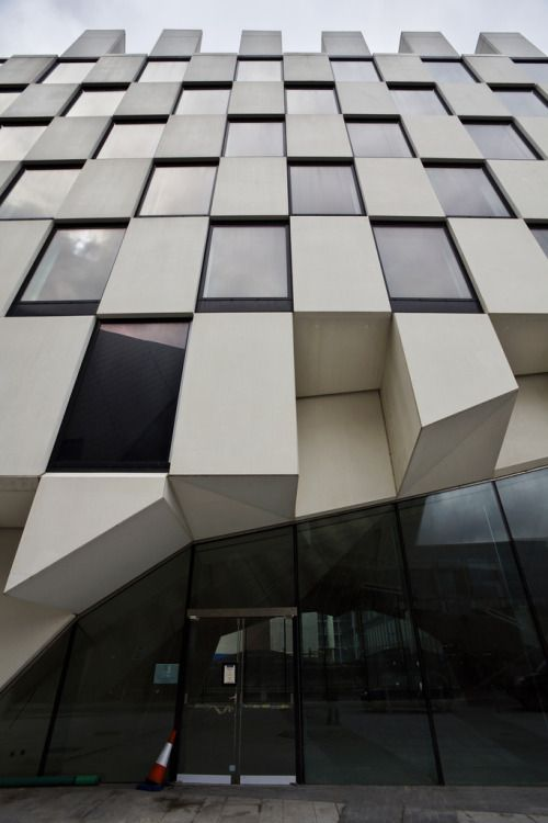 Grand Canal Square Hotel,Dublin Aires Mateus Architects &McCauley Daye O'Connell Architects Photographed byturgidson
