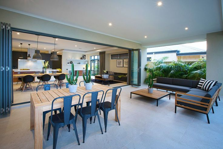 The #NewYorkPlatinum #displayhome, only at #HomeGroupWA - Outdoor Alfresco area