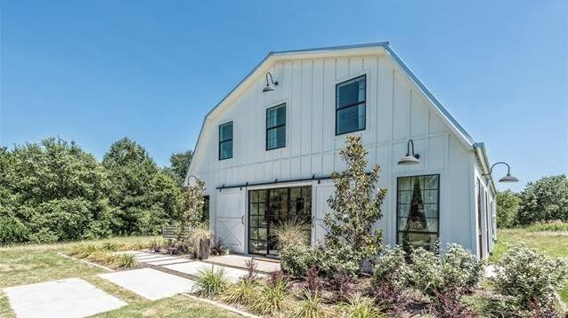 """If you're a """"Fixer Upper"""" fan, you may remember the """"barndominium"""" rehabbed by Chip and Joanna Gaines. Well, guess what? It's for sale for $1.2 million."""